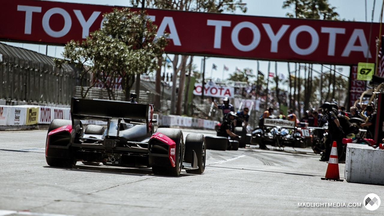IndyCar pitting at Long Beach
