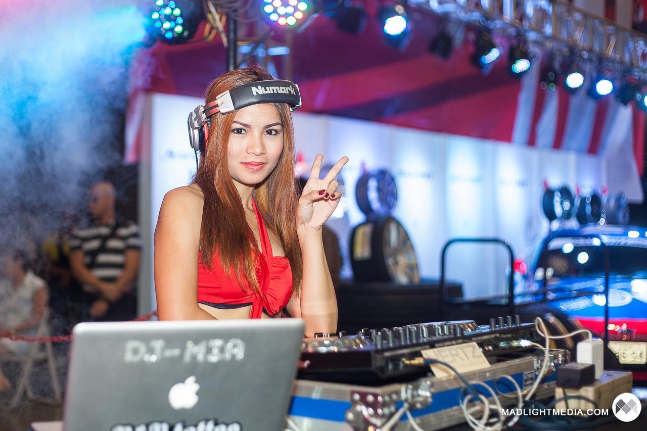 DJ Mia Sevein