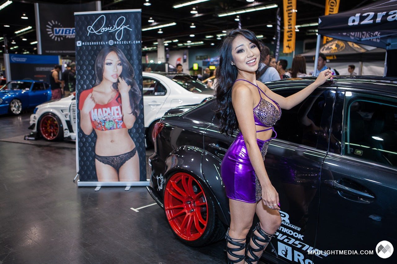 This car import model sexy similar